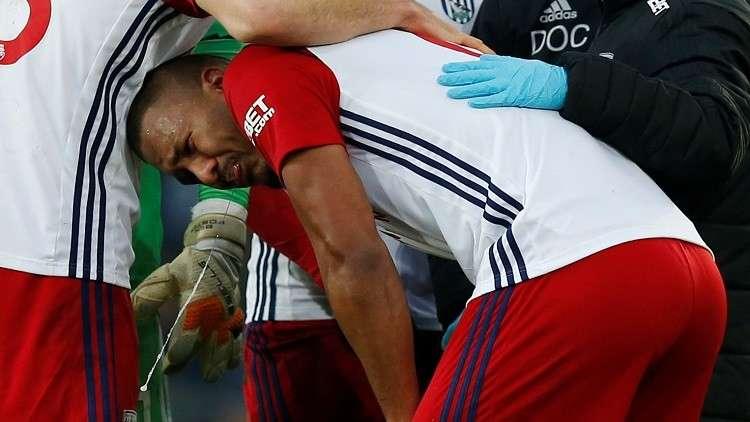 بالفيديو.. لاعب يجهش بالبكاء بعد كسره ساق منافسه في البريميرليغ