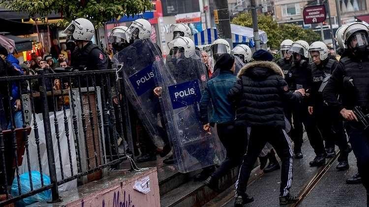 رويترز: الشرطة التركية تفرق مظاهرة مؤيدة للأكراد في أنقرة