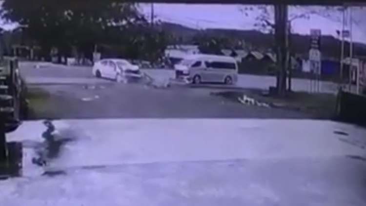 تايلاند.. حادث مرور مروع يودي بحياة سائحين روسيين