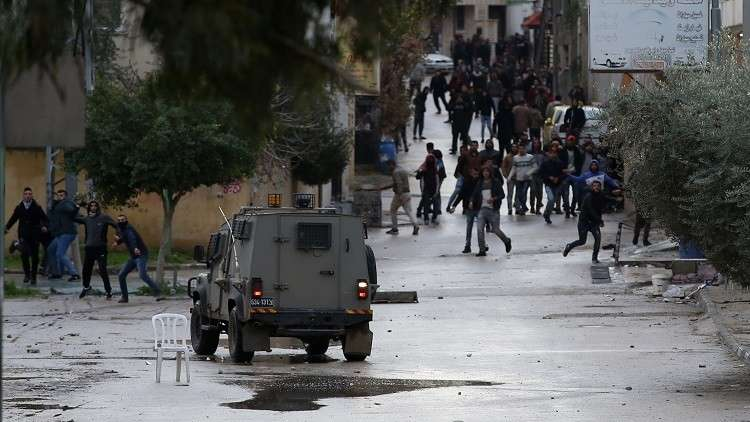 إسرائيل تعتقل عددا من الفلسطينيين بالضفة بينهم نائب في التشريعي