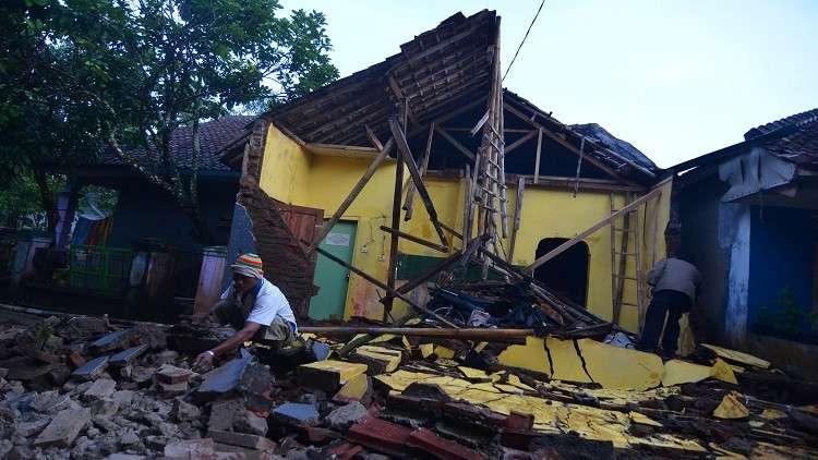 زلزال عنيف قبالة سواحل إندونيسيا
