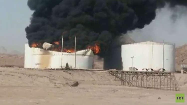 مراسلنا: مقتل ثلاثة وجرح اثنين في حريق بمخزن مواد نفطية في ميناء بندر عباس جنوب إيران