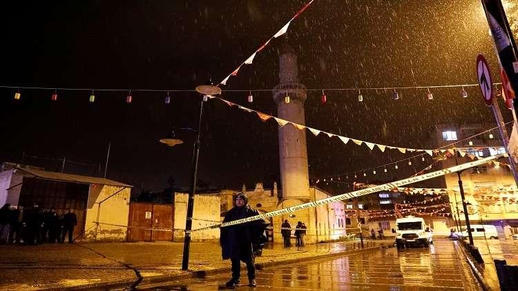 مقتل شخص وإصابة آخرين بعد سقوط صاروخ على مسجد جنوبي تركيا