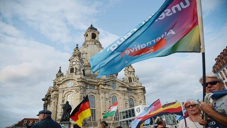 قيادي بحزب يميني ألماني دعا لمنع الآذان يستقيل ويعتنق الإسلام