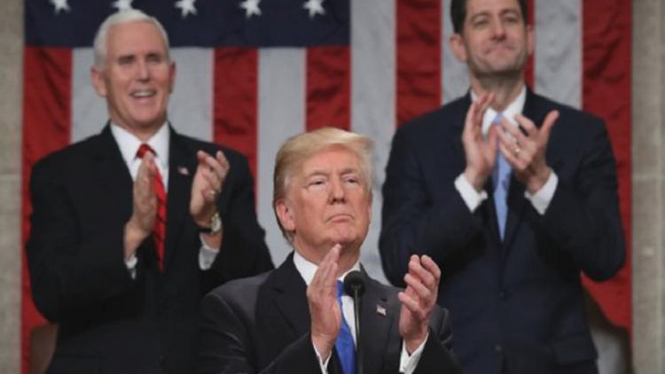 ترامب في خطابه الأول عن حالة الاتحاد يعدد إنجازاته ويدعو الأمريكيين لوضع الخلافات جانبا