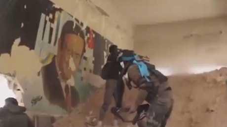 الجيش السوري: قرب فك حصار إدارة المركبات