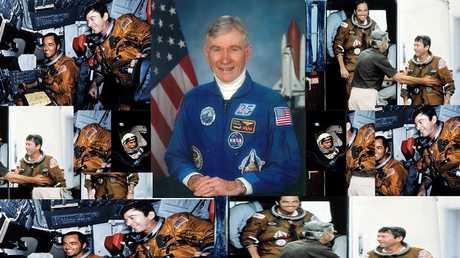 رائد الفضاء الأمريكي جون يونغ