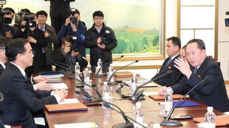 أول حوار رسمي بين الكوريتين منذ أكثر من عامين