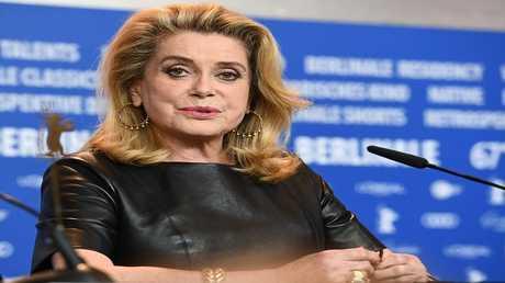 الممثلة الفرنسية المعروفة كاثرين دينوف