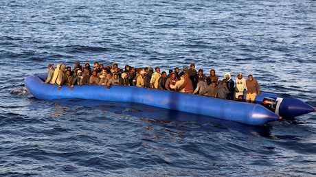 أرشيف - مهاجرون قبالة السواحل الليبية