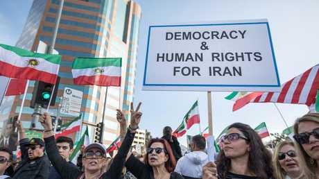تظاهرات ضد الحكومة الإيرانية في لاس أنجلوس الأمريكية