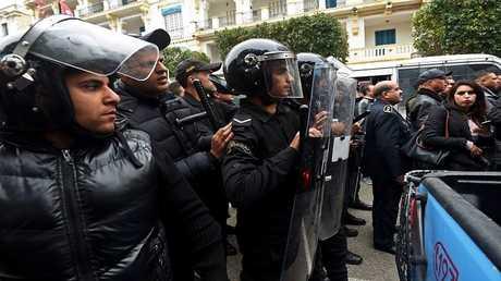 أفراد الشرطة التونسية في مهمة