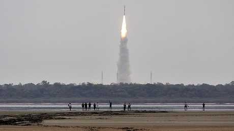 إطلاق صاروخ هندي