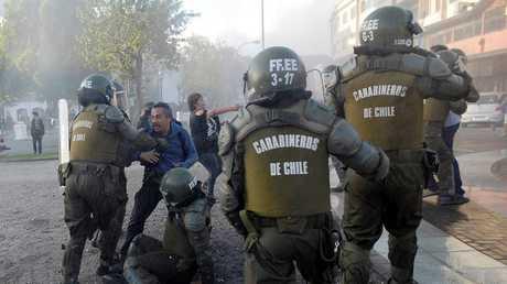 احتجاجات بين المحتجين والشرطة في مدينة كونسيبسيون، تشيلي