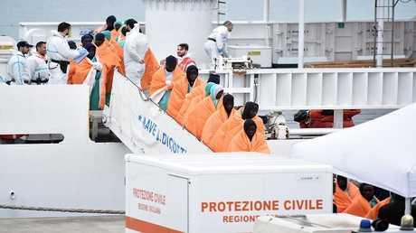 حفر السواحل الإيطالي ينقذ 1400 مهاجر