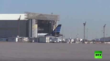 اللقطات الأولى من مطار معيتيقة في طرابلس بعد الاشتباكات العنيفة التي شهدها مؤخرا