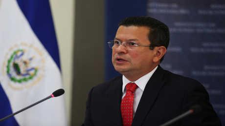 وزير خارجية السلفادور هوغو مارتينيز