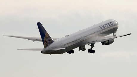 طائرة شركة يونايتد إيرلاينز