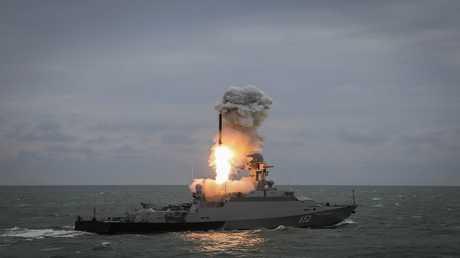صورة أرشيفية لسفينة حربية روسية عند إطلاقها لصاروخ كاليبر
