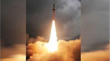 """اختبار إطلاق صاروخ """"Agni-V"""" 2015"""