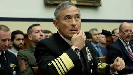 الأميرال هاري هاريس قائد القوات الأمريكية في منطقة المحيط الهادي