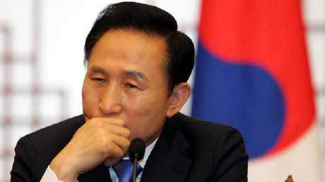الرئيس الكوري الجنوبي  الأسبق لي ميونغ باك