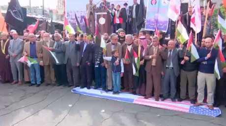 مطالبات من غزة للسلطة بعدم لقاء بنس
