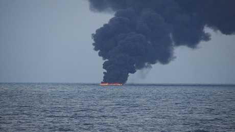ناقلة النفط الايرانية SANCHI تحترق
