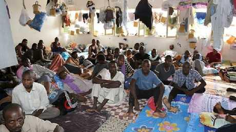 مهاجرون أفارقة في مركز إيواء بليبيا - أرشيف