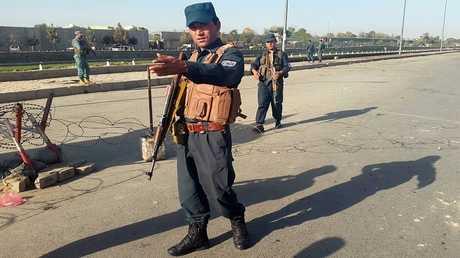 أرشيف - عناصر من شرطة كابل في مهمة