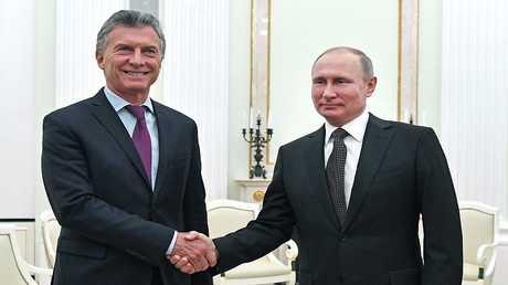 رئيسا روسيا والأرجنتين