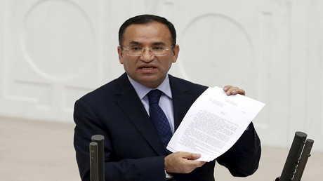 بكر بوزداج نائب رئيس الوزراء التركي