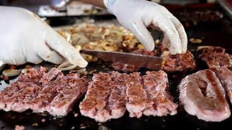 نمط النظام الغذائي يرتبط بخطر الإصابة بسرطان القولون