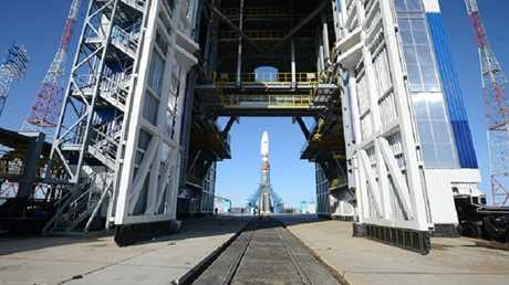 """الصاروخ  """"Союз-2.1а"""" على منصة الاطلاق"""