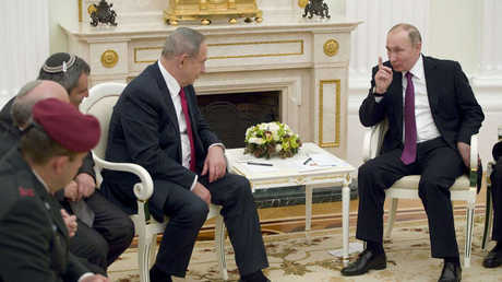 الرئيس الروسي فلاديمير بوتين ورئيس الوزراء الإسرائيلي بنيامين نتنياهو - أرشيف