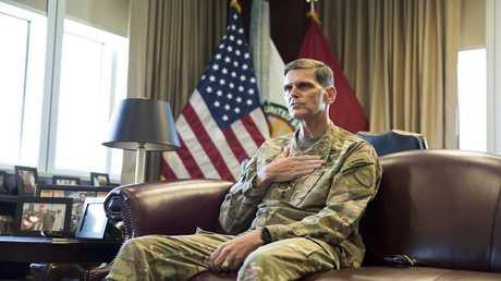 """قائد القيادة المركزية الأمريكية """"سينتكوم"""" الجنرال جوزيف فوتيل"""