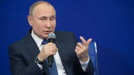 الرئيس الروسي، فلاديمير بوتين، خلال اجتماع مع وكلاء حملته الانتخابية في موسكو (30 يناير)