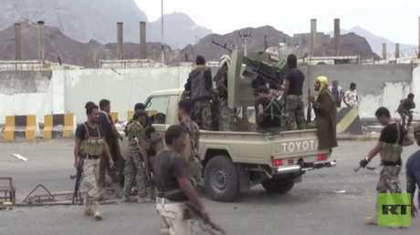 هدوء في عدن بعد وساطة قيادات عسكرية