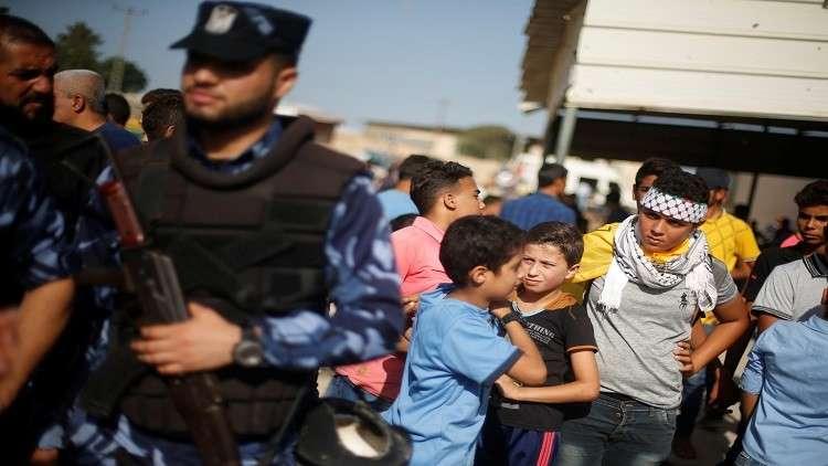 السلطات الإسرائيلية تبعد فتاة فلسطينية من الضفة إلى غزة!