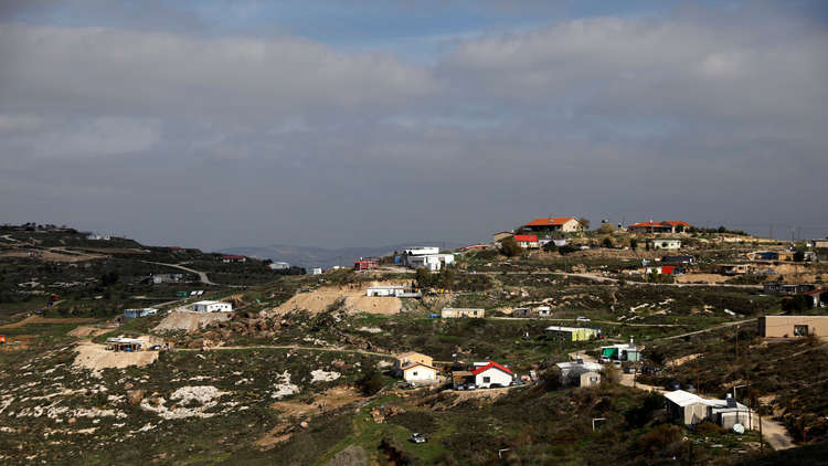 إسرائيل تتجه نحو شرعنة بؤرة استيطان عشوائية