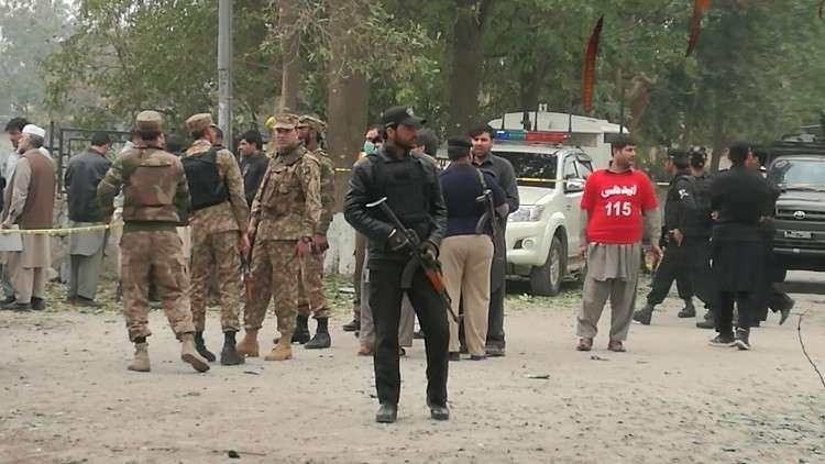 مقتل 11 جنديا باكستانيا بتفجير انتحاري شمالي البلاد