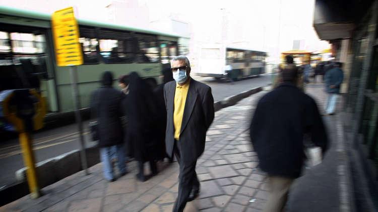 التلوث يغلق مدارس طهران