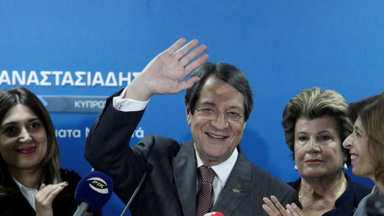 الرئيس القبرصي يفوز بولاية ثانية