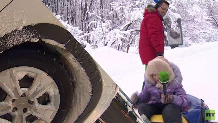 تساقط للثلوج غير مسبوق في موسكو يشل حركة العاصمة