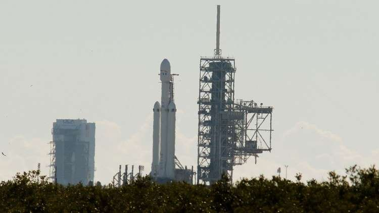 إطلاق أثقل صاروخ فضائي في العالم بنجاح