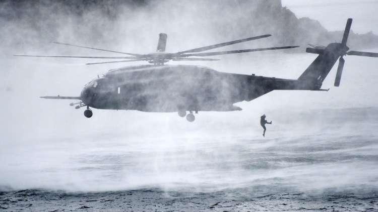 تايوان.. سقوط مروحية عسكرية في البحر