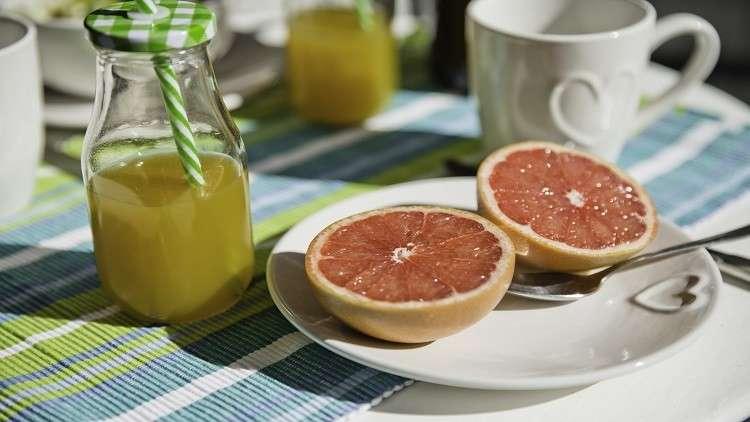 توقف عن شرب عصير الفاكهة مع وجبة الإفطار!