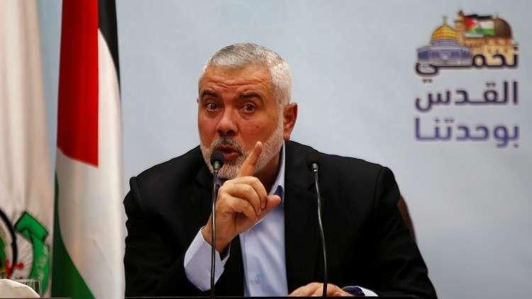 حماس تدعو للنفير.. وهنية يهاتف والدة
