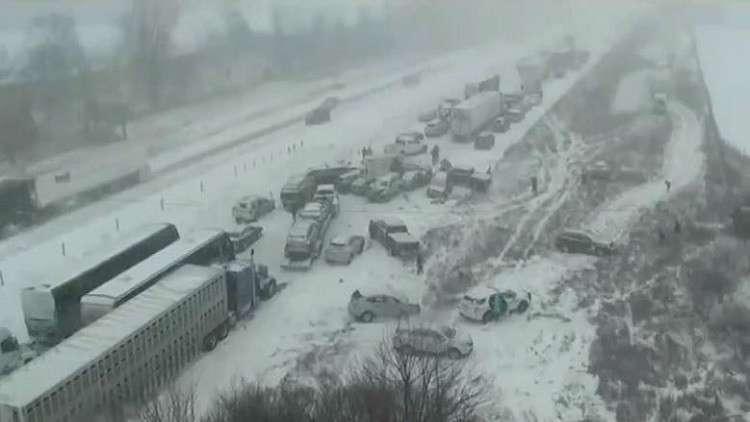 70 سيارة وشاحنة.. حادث سير مروع في الولايات المتحدة