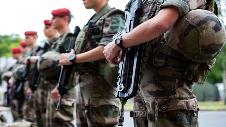 فرنسا تزيد نفقاتها العسكرية